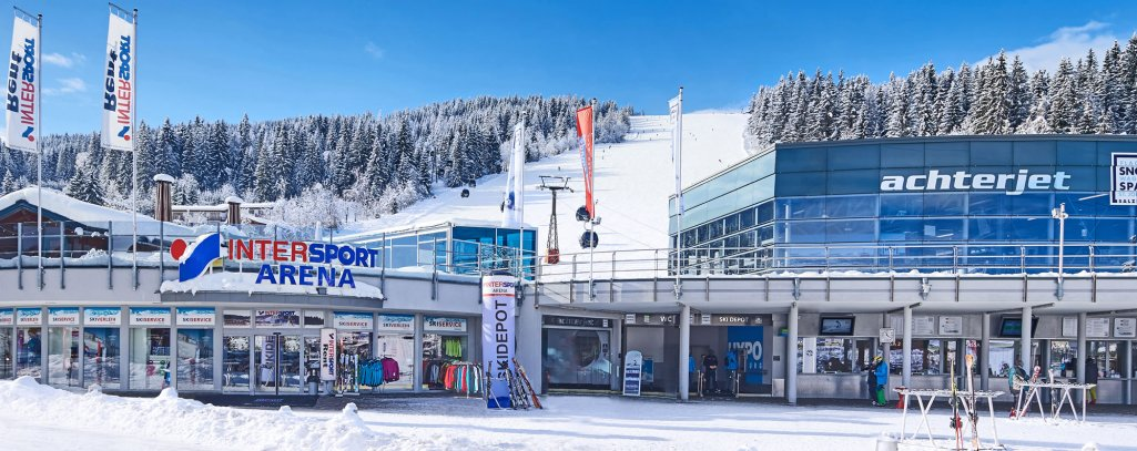 Skiverleih direkt an der Liftstation in Flachau, im Intersport Arena