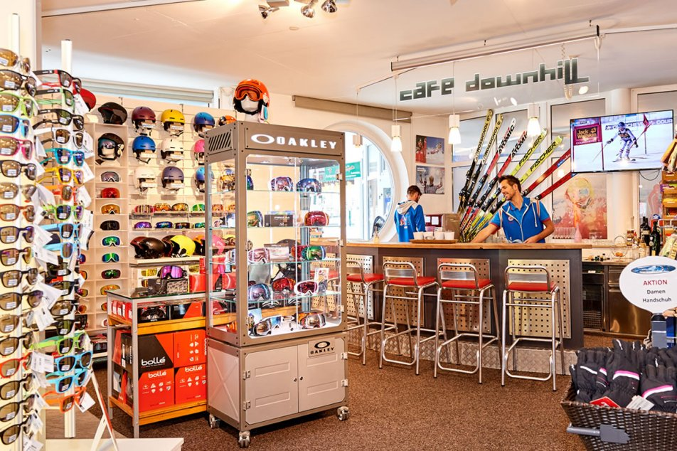 Cafe Downhill im Intersport direkt an der Talstation in Flachau